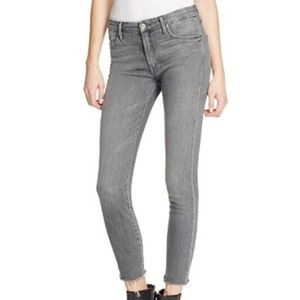 MOTHER The Looker Ankle Fray Jeans in To The Moon